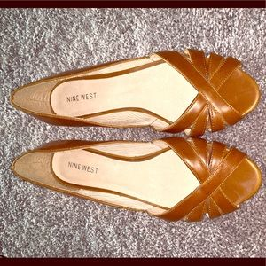 Brown Nine West mini wedge, 8.5